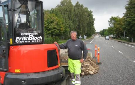 """Entreprenør Erik Bloch udtaler: """"Prisen er rigtig til kvaliteten"""" og henviser til sin netop indkøbte Eurocomach ES40.2 ZT"""