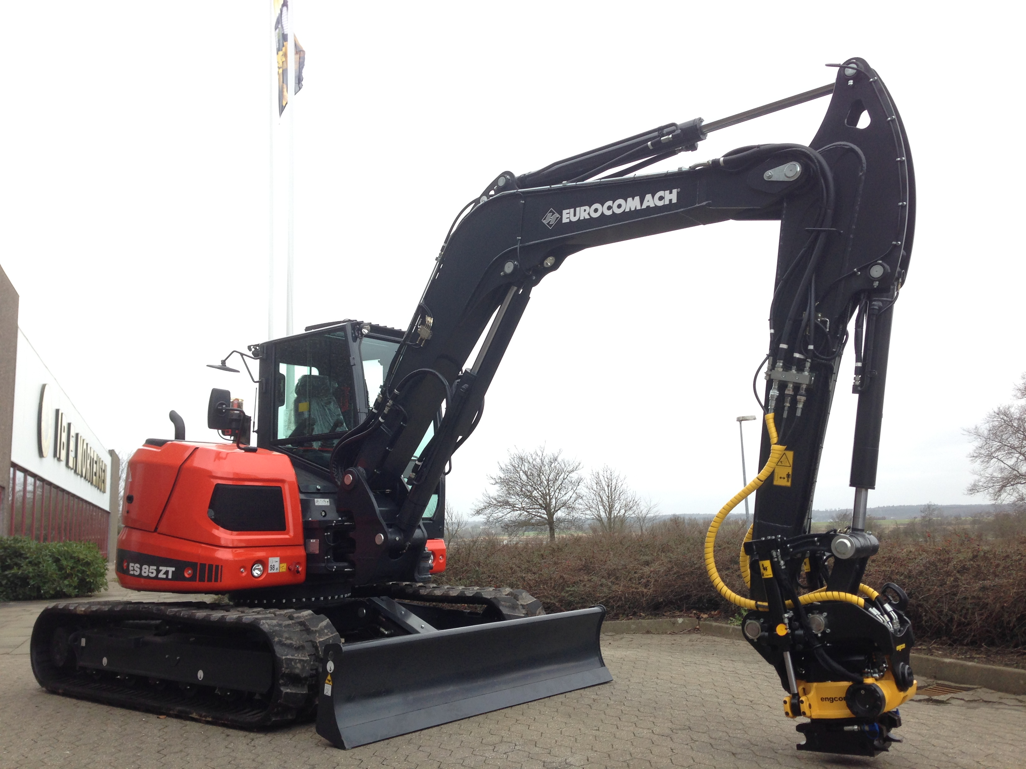 20640e4a220 Tilbud på 9 tons gravemaskine - Ib E. Mortensen - Kastbjerg